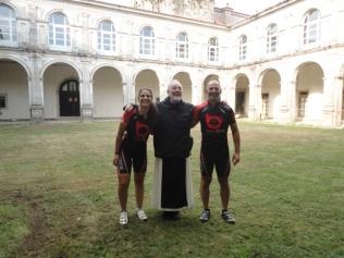 Monastery where we spent the night in Sobrado de Monxes - Mosteiro onde passámos a noite em Sobrado de Monxes